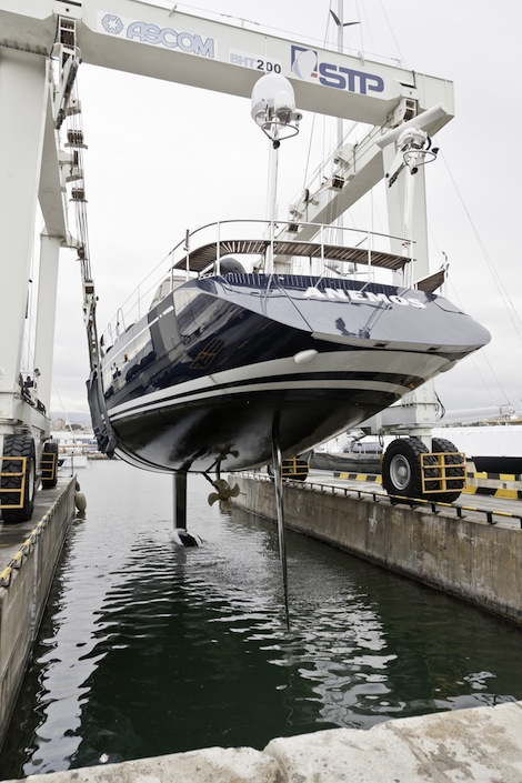 Image for article Ultrasonic antifouling proven success on sailing yacht