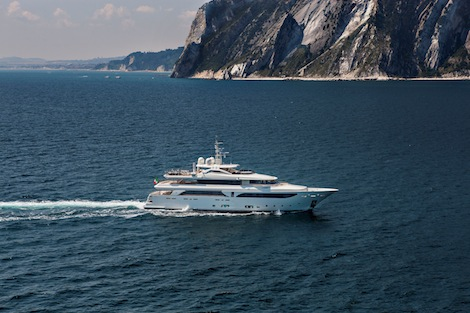 Image for article 42.6m 'Lady Genyr' delivered to owners