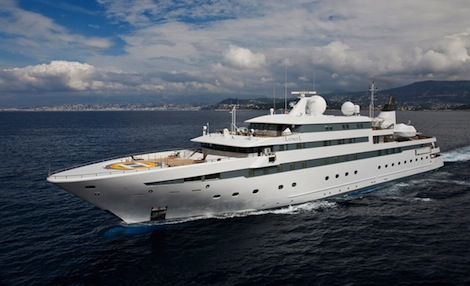 Image for article WGI completes foil application of 120 windows on 'Lauren L'