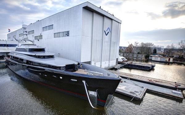Image for article Feadship launches 46.4m 'Kiss' on Valentines Day