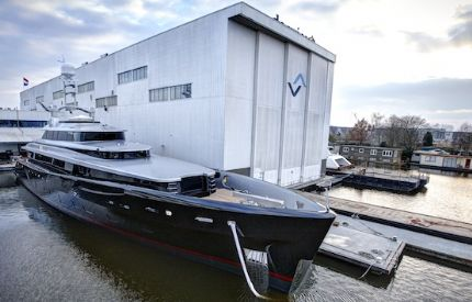 Image for Feadship launches 46.4m 'Kiss' on Valentines Day