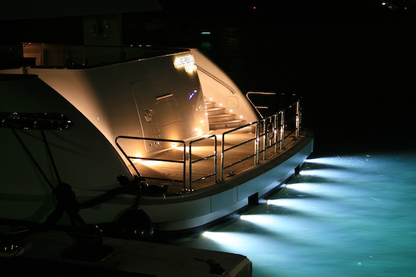 Image for article Spotting Underwater Lights